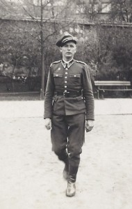 Tomasik in uniform