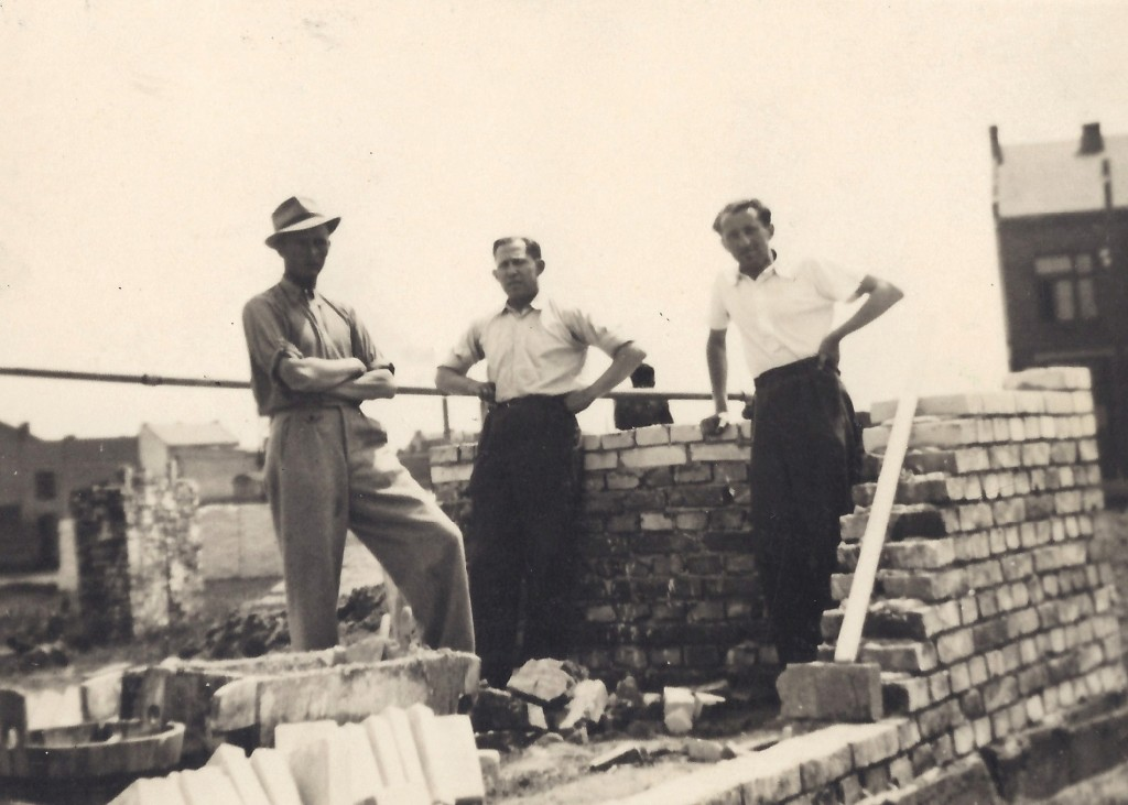 Jan Tomasik supervising work on a Polish building site in Spring 1939