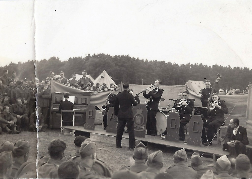 Polish soldiers listening to a Swing Band at Crawford, Lanarkshire in September 1940