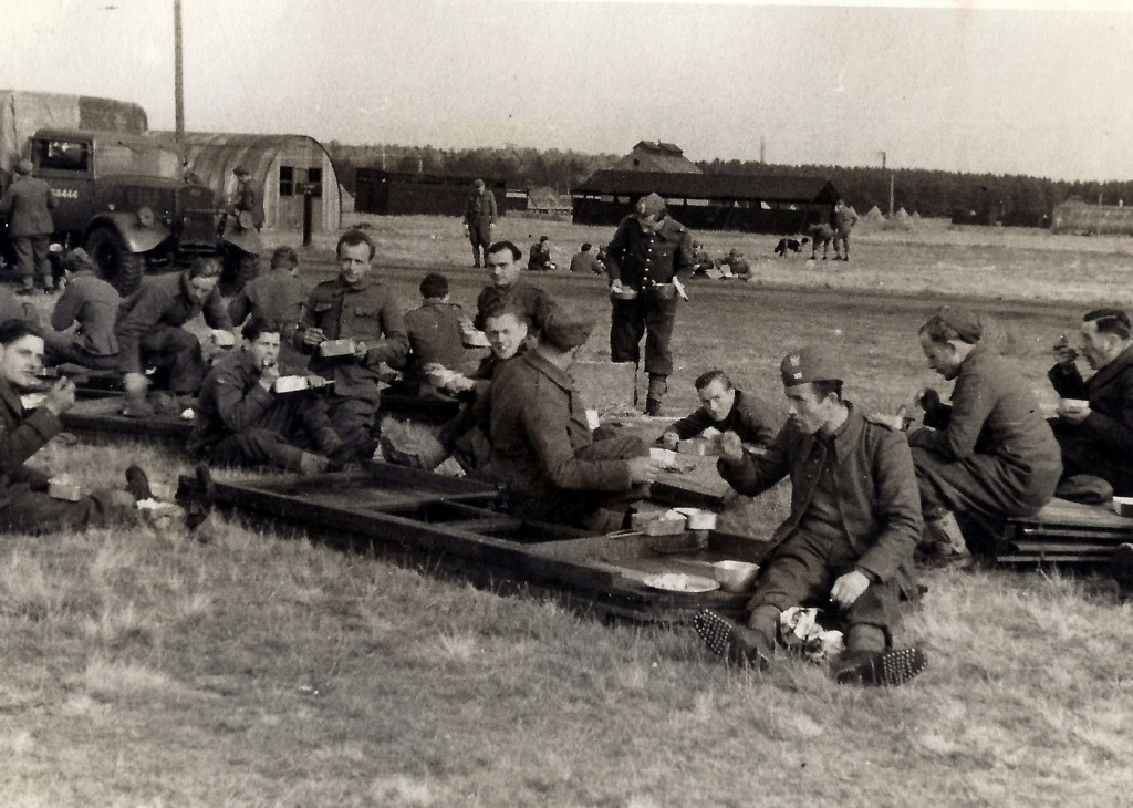 Polish soldiers including Jan Tomasik photographed at Barry Buddon camp near Carnoustie in October 1940